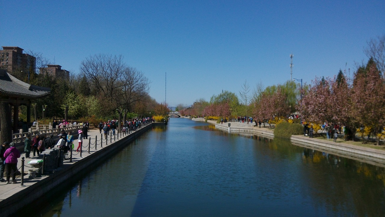 canal,spring,outing,visitor,water,natural,free pictures, free photos, free images, royalty free, free illustrations, public domain