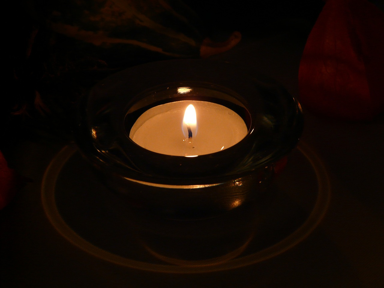 candle tealight flame free photo