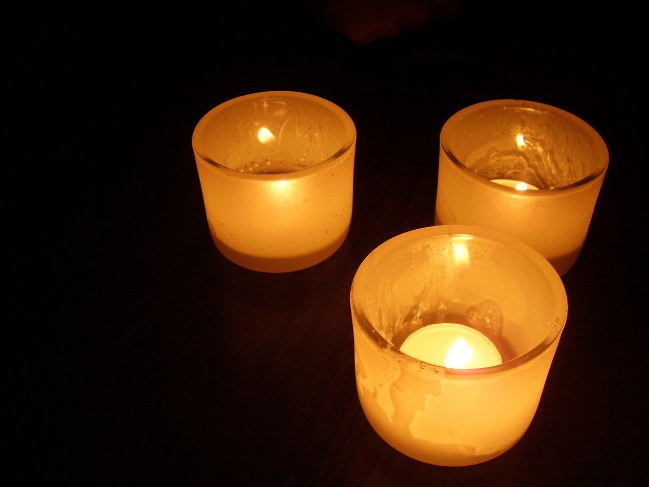 candlelight candles darkness free photo