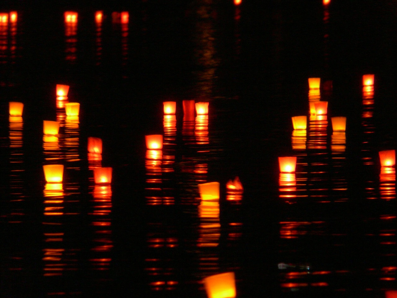 candles lights river free photo