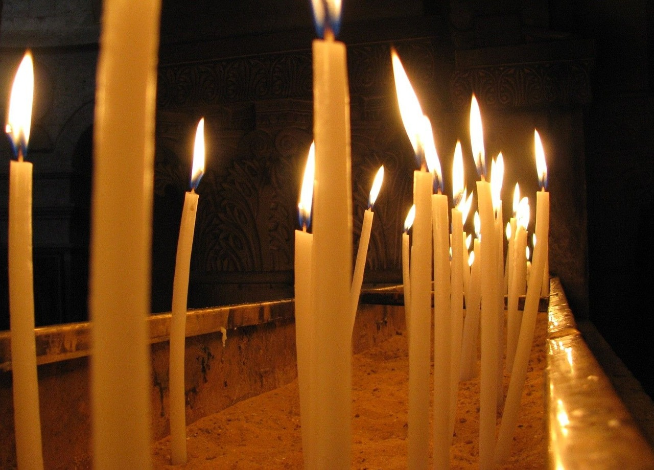 candles church burning free photo