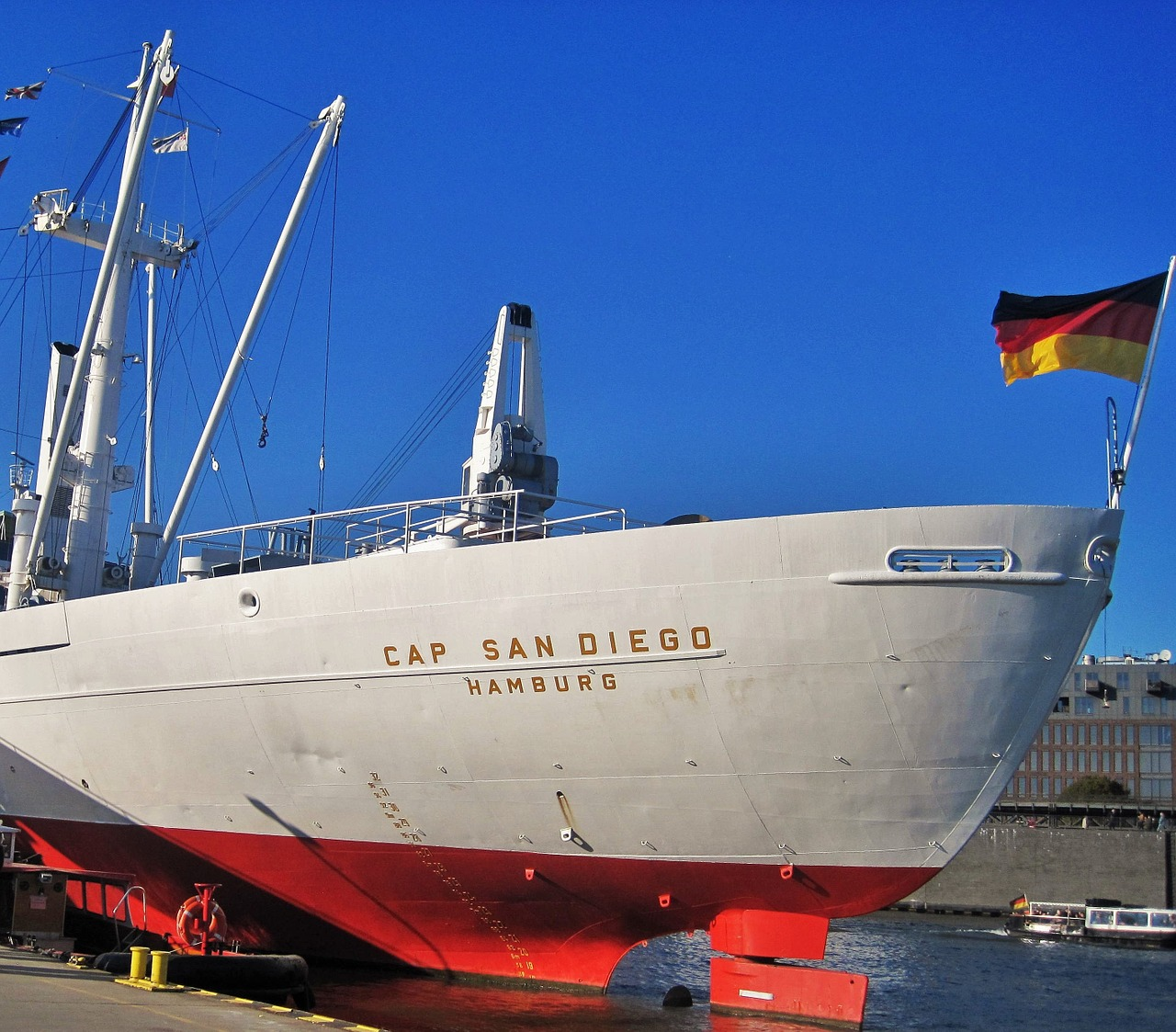 cap san diego ship rear hamburg museum ship free photo