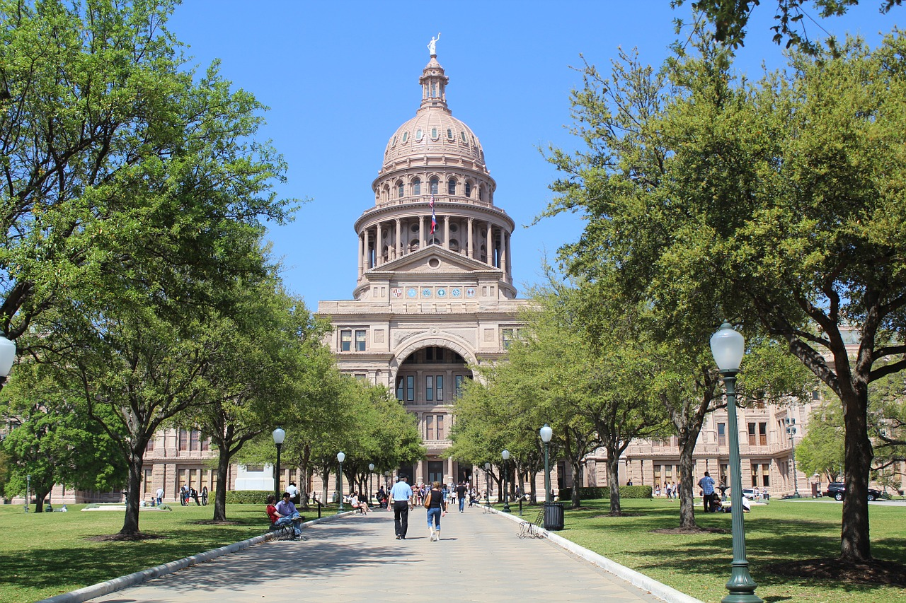 capitol,building,austin,texas,landmark,dome,usa,government,politics,symbol,congress,federal,state,political,legislative,united states,free pictures, free photos, free images, royalty free, free illustrations, public domain