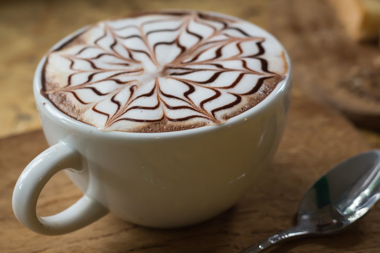 cappuccino,beverage,in the morning,do the job,art,pattern,relax,holidays,coffee,hot,cup,viewpoint,delicious,pretty,velvety,bubble,milk,mild,fragrant,sweet,mellow,of the blank,smile,happy,bright,free pictures, free photos, free images, royalty free, free illustrations, public domain