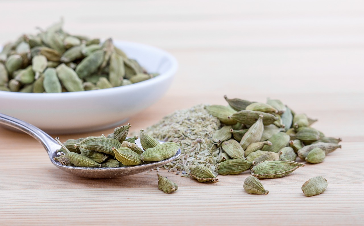Cardamom,spice,spoon,shell,white - free image from needpix.com