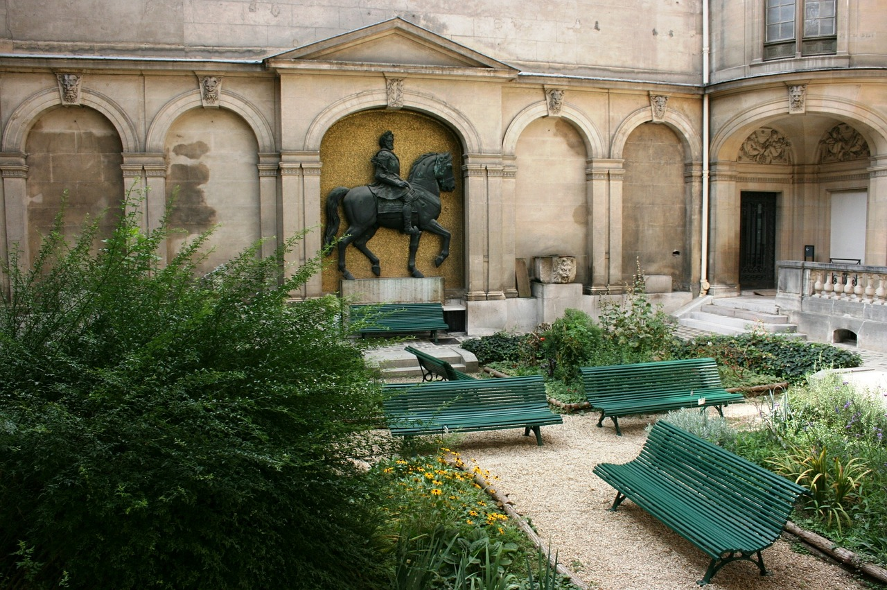 carnavalet museum,internal courtyard,paris,free pictures, free photos, free images, royalty free, free illustrations, public domain