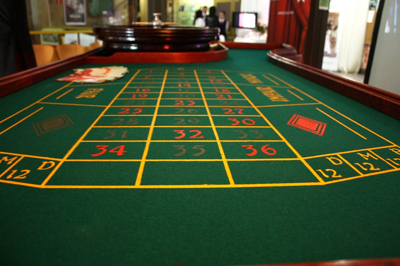 casino roulette table free photo