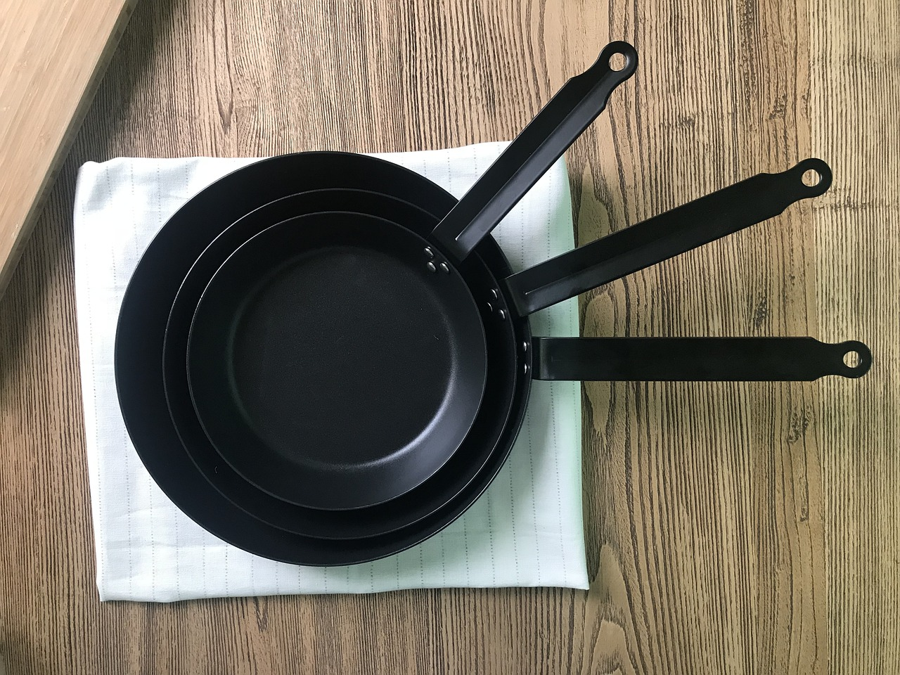 cast iron cast iron pot carbon steel free photo