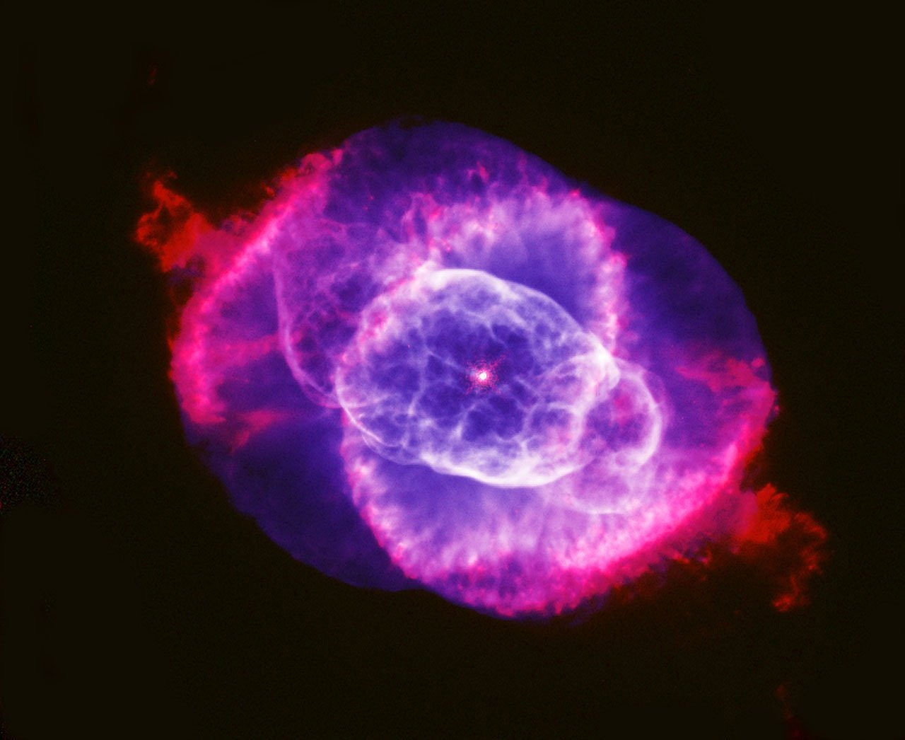 cat's eye nebula ngc 6543 planetary fog free photo