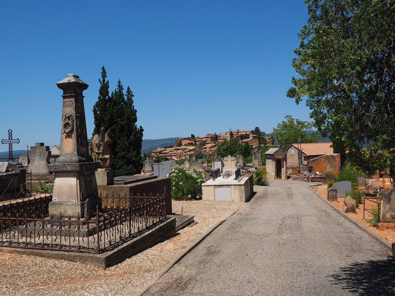 cemetery roussillon old cemetery free photo