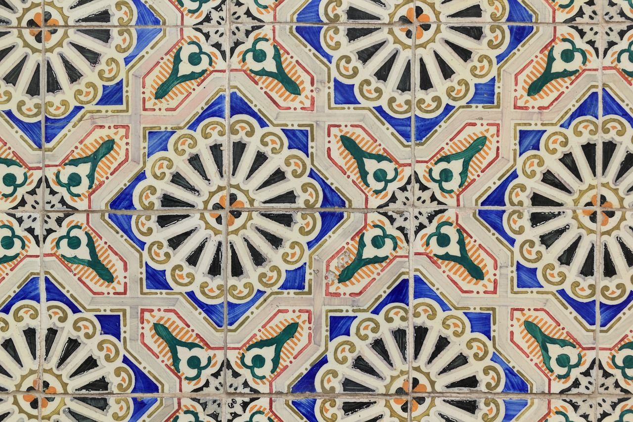 Ceramic portugal tiles wall covering free photo from for Fliesen portugal