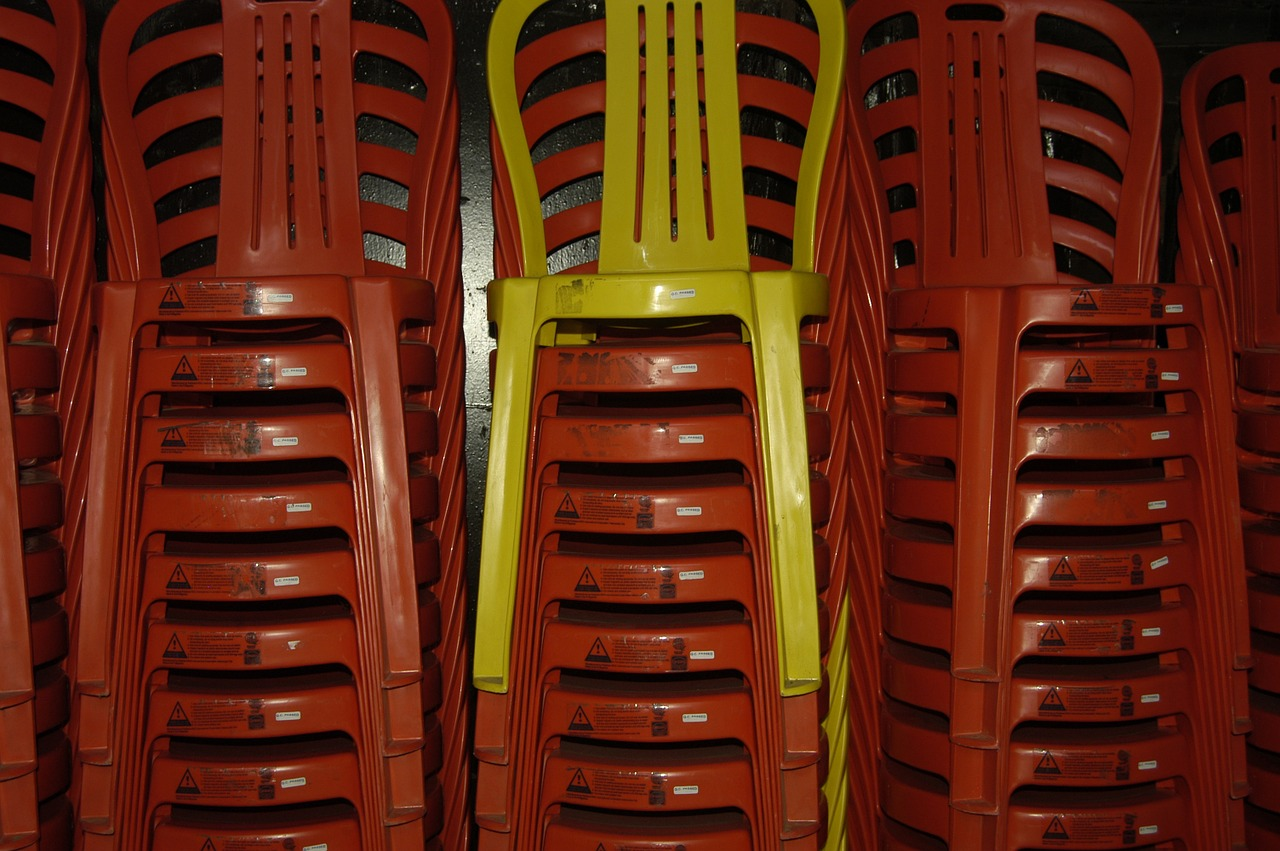 chairs stack red free picture