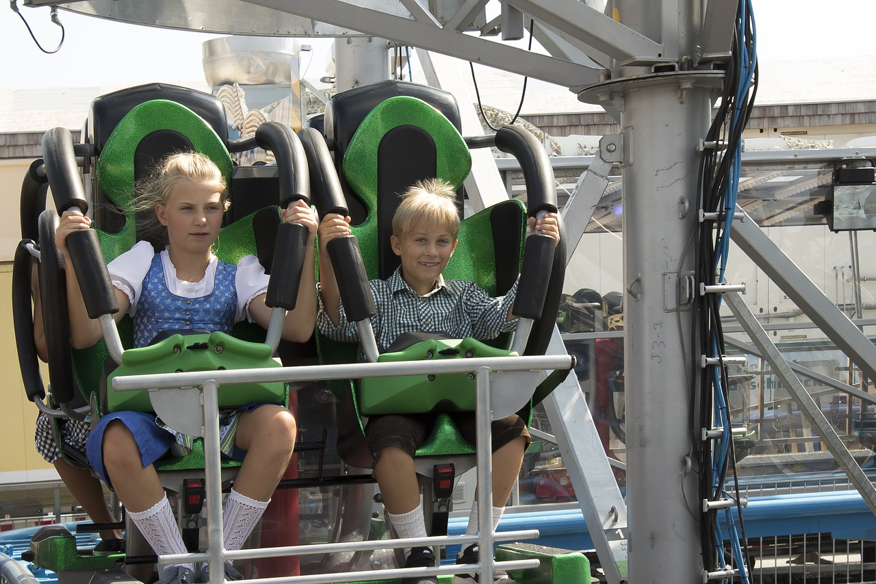 children, brothers and sisters, roller coaster, folk festival, autumn festival, customs, regional, typical, festival, tradition, festival site, oktoberfest,free pictures, free photos, free images, royalty free, free illustrations, public domain
