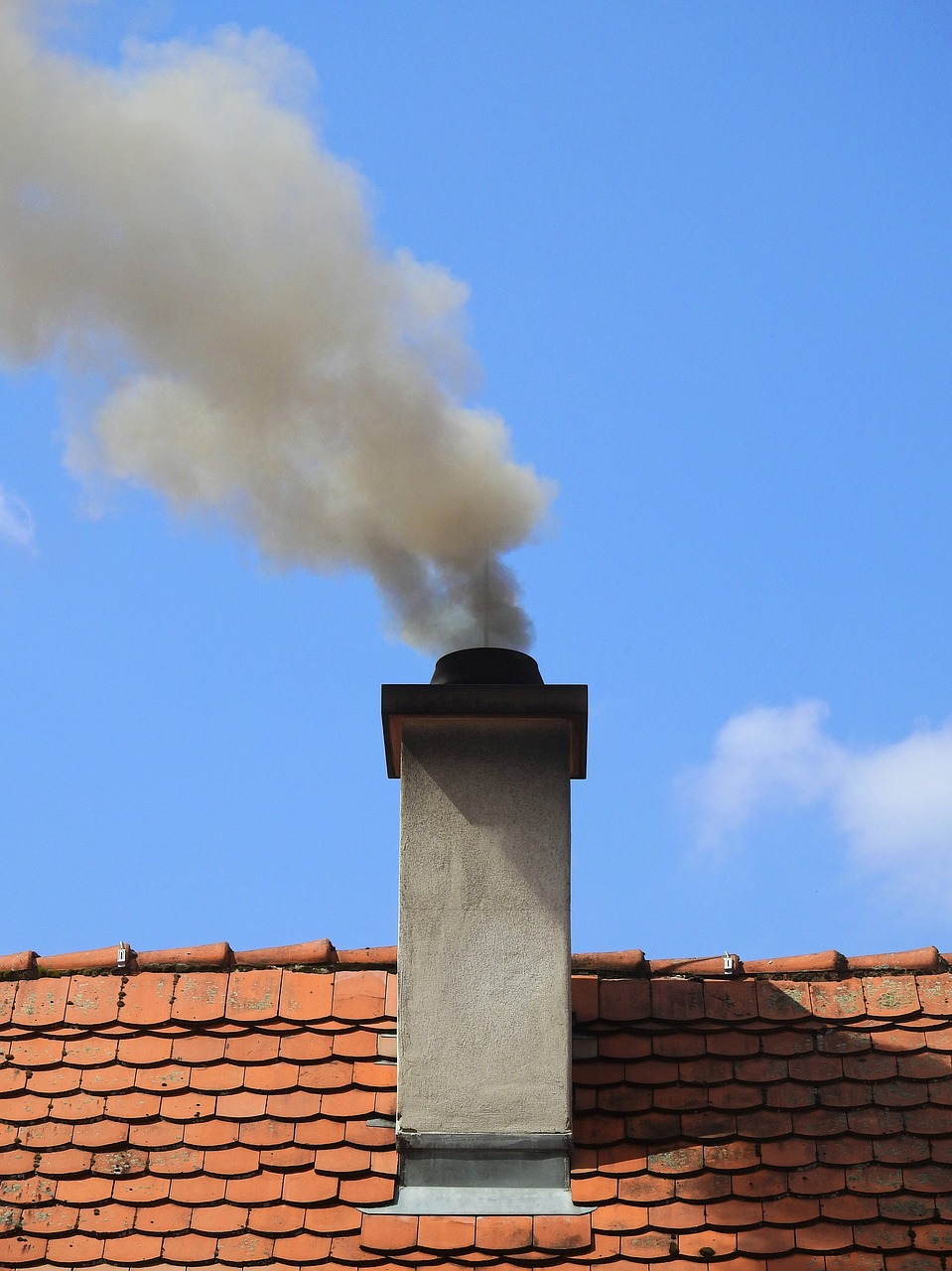 chimney,smoke,fireplace,pollution,exhaust gases,environmental protection,old,loads,roof,environment,heat,emission,free pictures, free photos, free images, royalty free, free illustrations, public domain