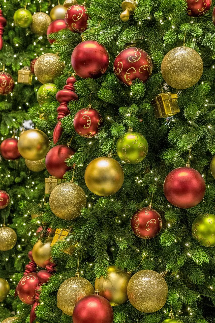 Deko Mit Christbaumkugeln.Kalėdos Medis Ornamentas Deko šviesa Nemokamos Nuotraukos