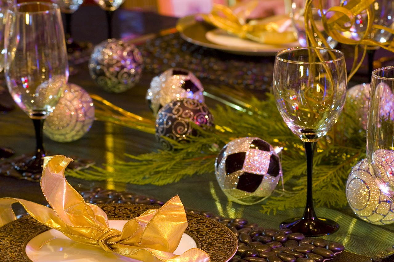 christmas  table setting  table free photo