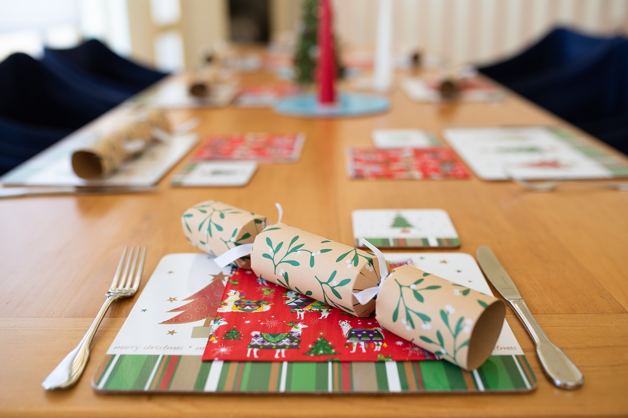 christmas, table setting, xmas, bonbon, christmas lunch, setting, dining, place mat,free pictures, free photos, free images, royalty free, free illustrations, public domain