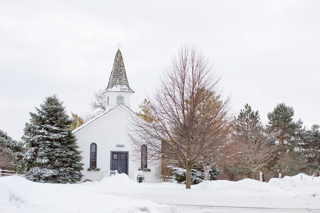 church winter quaint chapel free photo