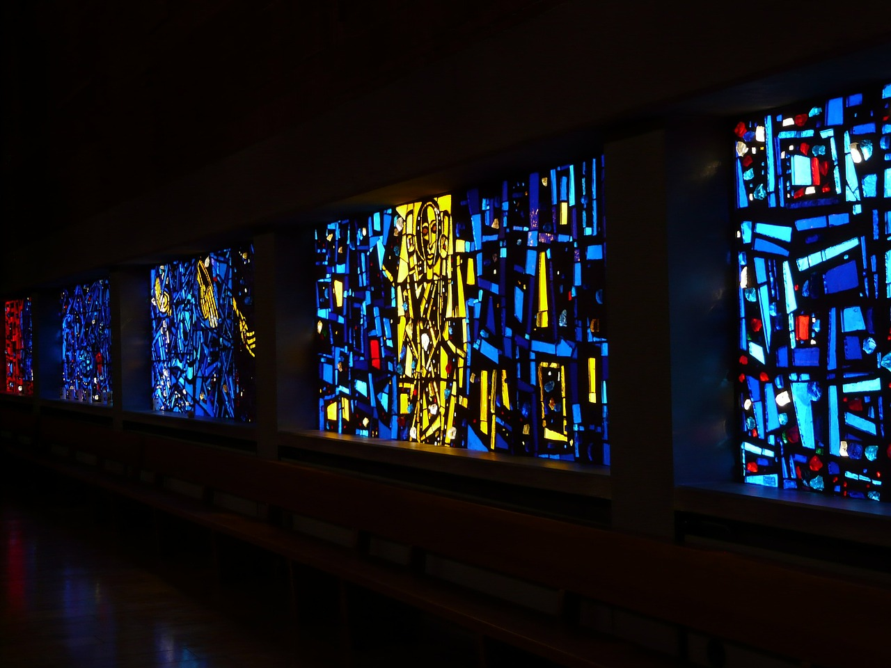 church window,glass,window,colorful glass,colorful,church,faith,christianity,christian,religion,god,jesus,free pictures, free photos, free images, royalty free, free illustrations, public domain