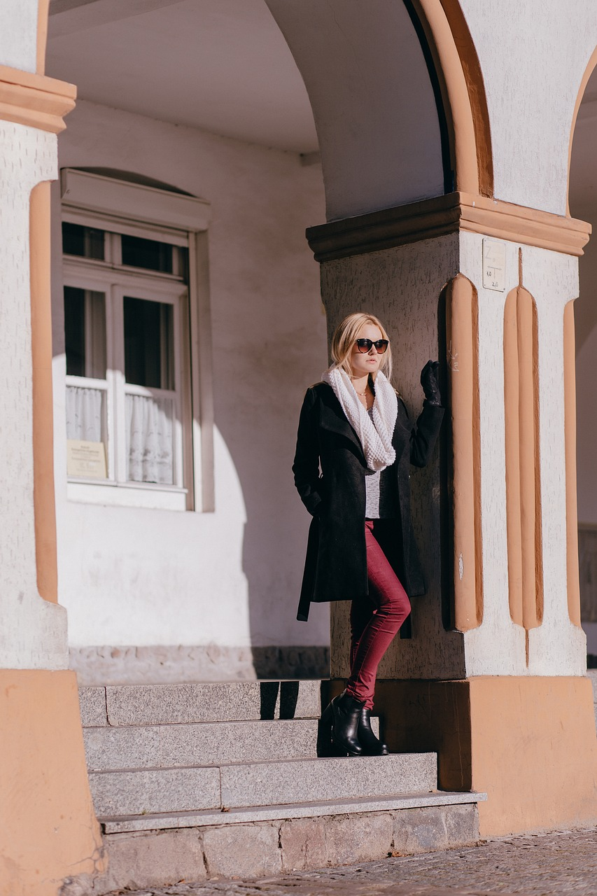 city,architecture,fashion,people,arcade,arcades,autumn,background,beauty,black,blonde,building,coat,free pictures, free photos, free images, royalty free, free illustrations, public domain