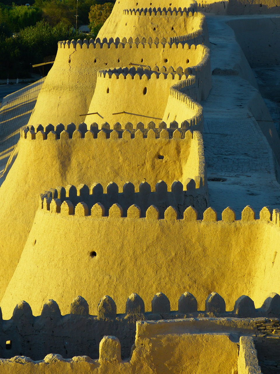 city wall battlements khiva free photo