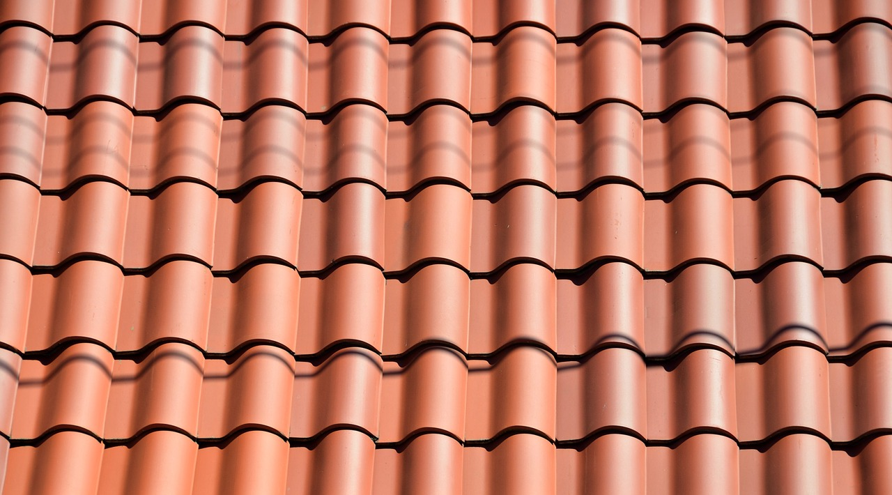 clay tile,roof,background,architecture,design,style,house,home,building,exterior,construction,texture,pattern,waterproof,roofing,material,ceramic,residential,row,traditional,built,shape,stone,tiles,industry,shingles,protecting,free pictures, free photos, free images, royalty free, free illustrations, public domain