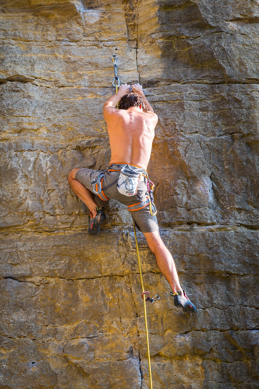 climb,mountaineering,climber,mountaineer,rock,steep,rope,climbing rope,bergsport,rock climbing,climbing sport,sport climbing,free pictures, free photos, free images, royalty free, free illustrations, public domain
