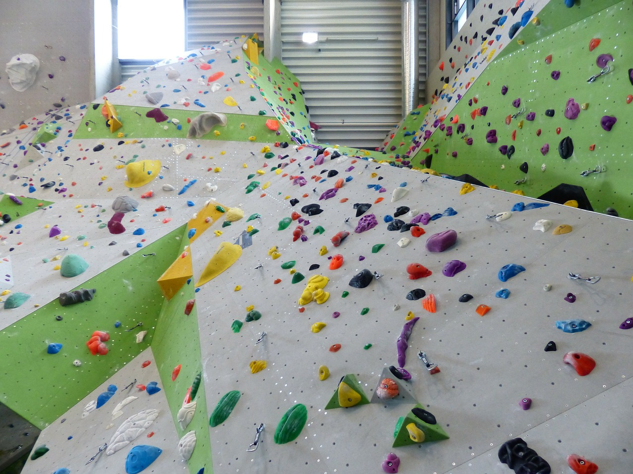 climbing wall climbing hall overhanging free photo