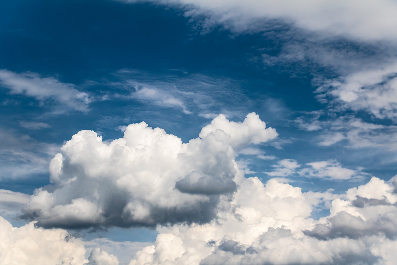 clouds,white clouds,sky,clouds form,weather,bright,big cloud,weather mood,clouded sky,cloudiness,nature,mood,free pictures, free photos, free images, royalty free, free illustrations, public domain