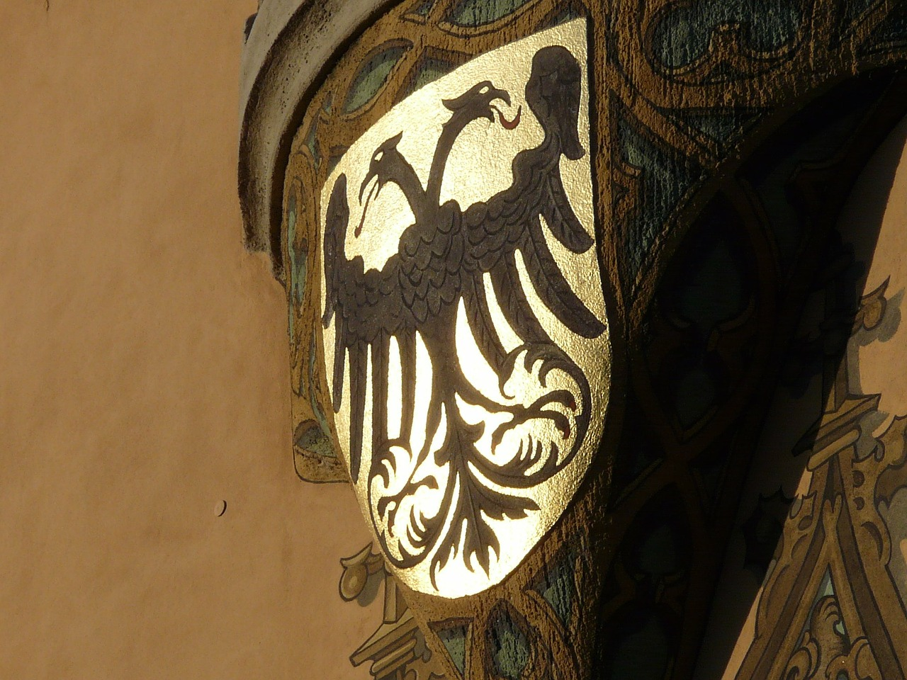 coat of arms adler golden free photo