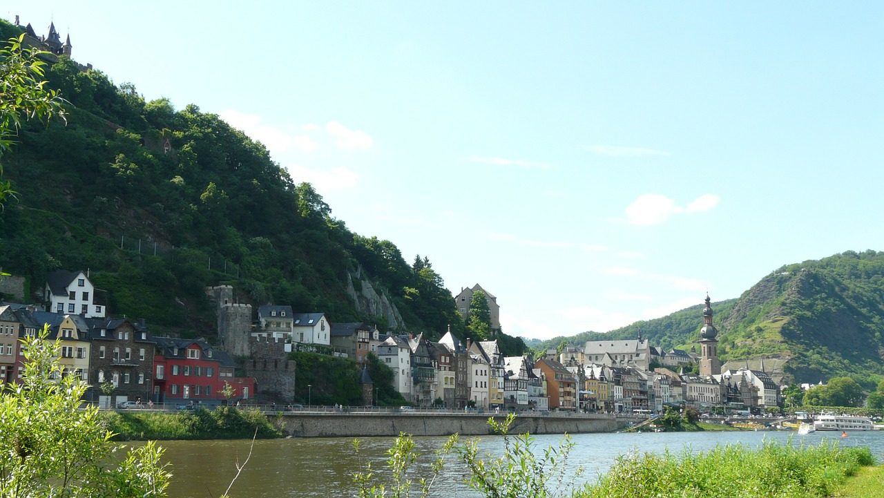 cochem,city,town,sachsen,mosel,homes,building,free pictures, free photos, free images, royalty free, free illustrations, public domain