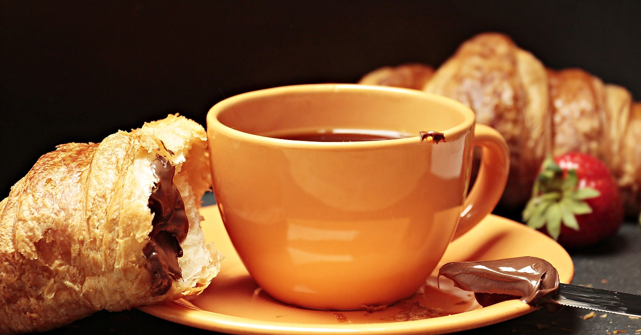 coffee croissant coffee cup free photo