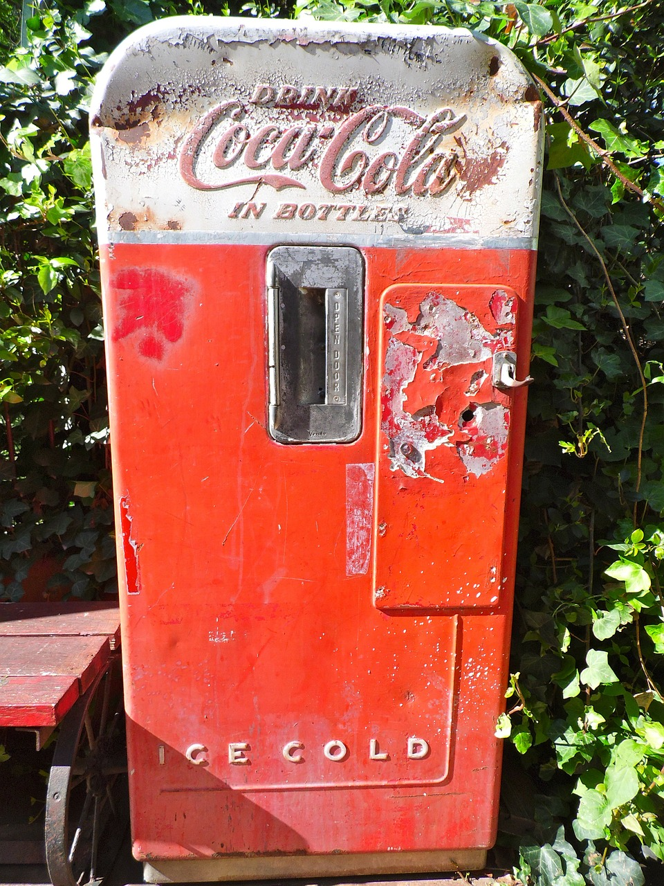 coke machine coca cola old free photo
