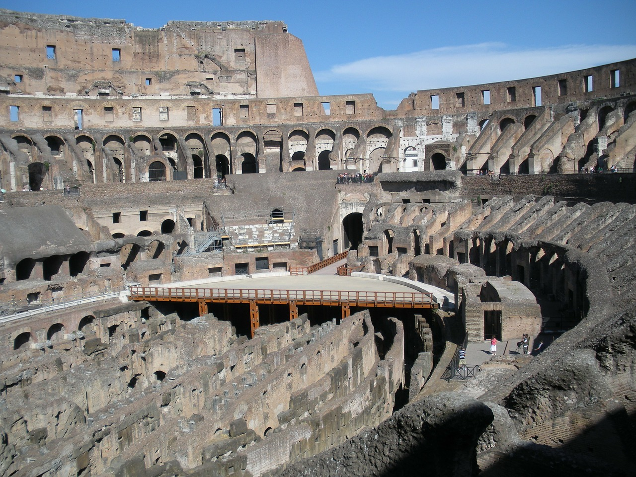 colosseum,rome,italy,landmark,architecture,travel,roman,tourism,famous,history,roma,amphitheater,ruin,monument,historic,archaeology,historical,arena,free pictures, free photos, free images, royalty free, free illustrations, public domain