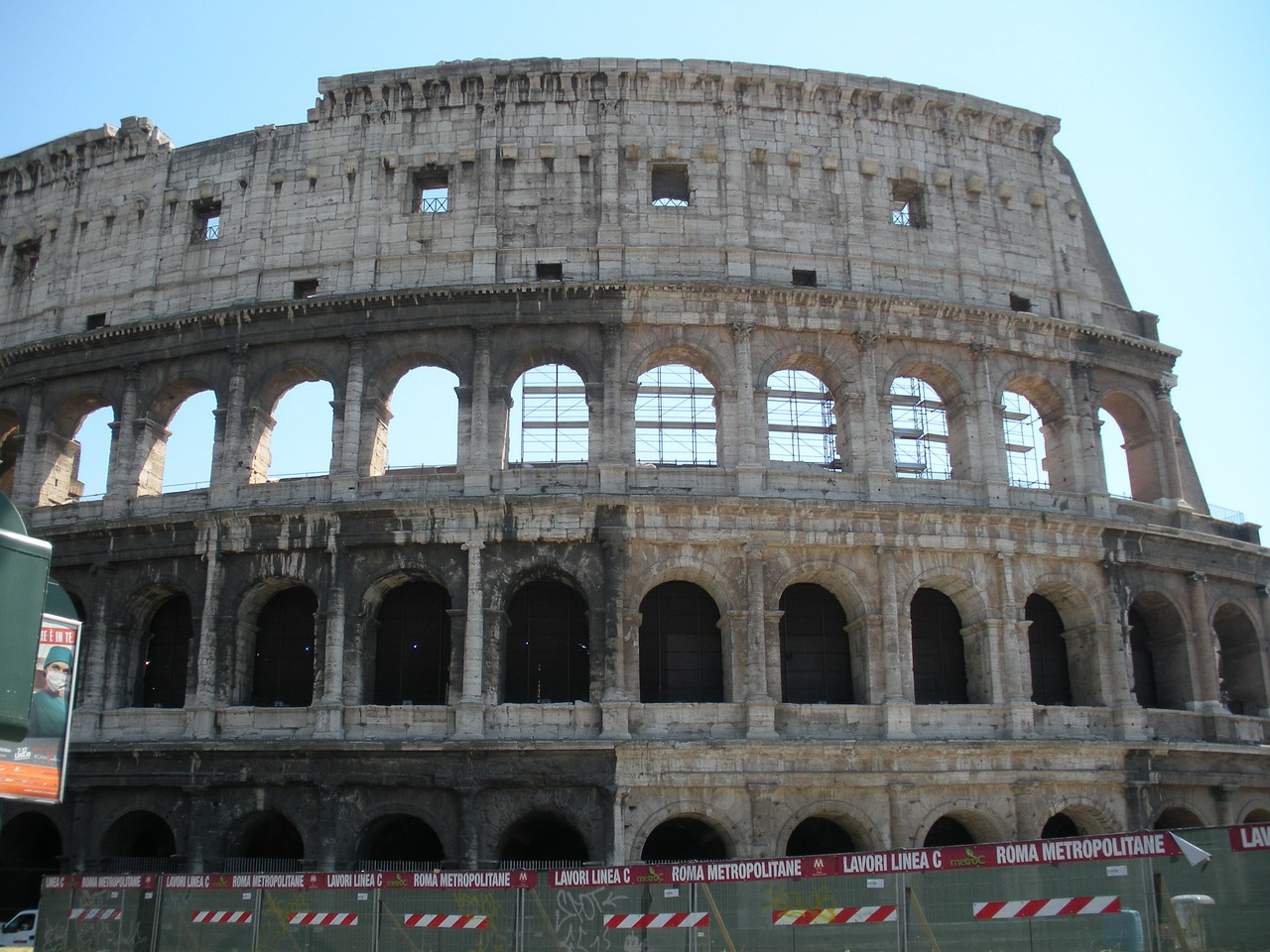 colosseum rome italy free photo