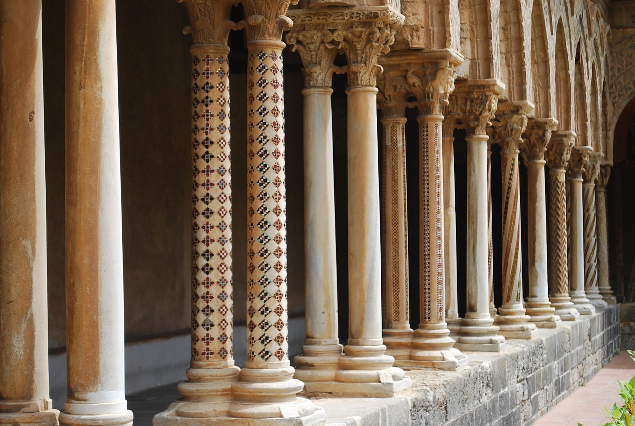 Columns,pillars,ancient,architecture,style - free photo from
