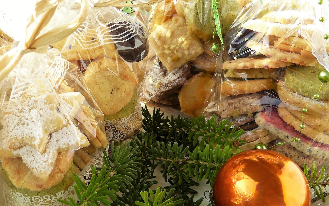 Cookie christmas gifts cellophane sachets free photo from