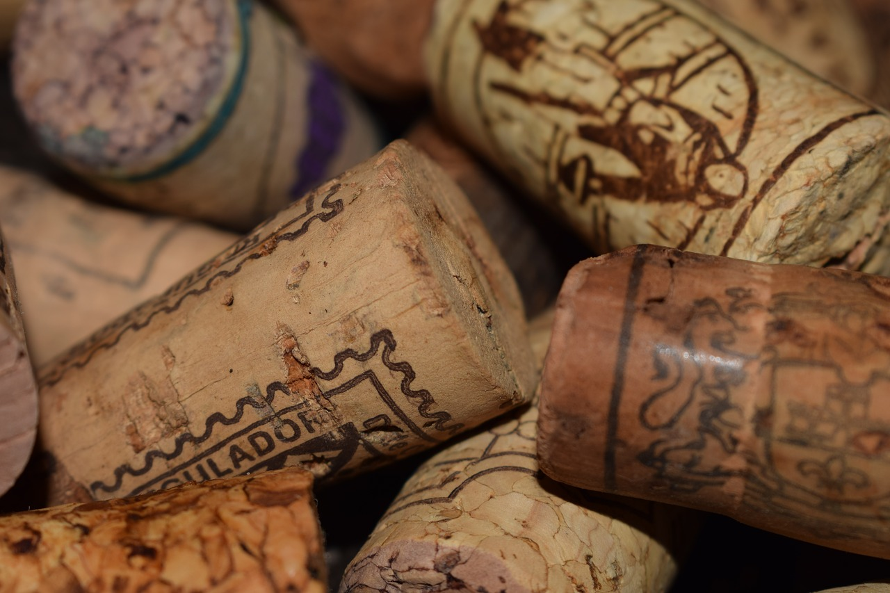 corks wine plugs free photo