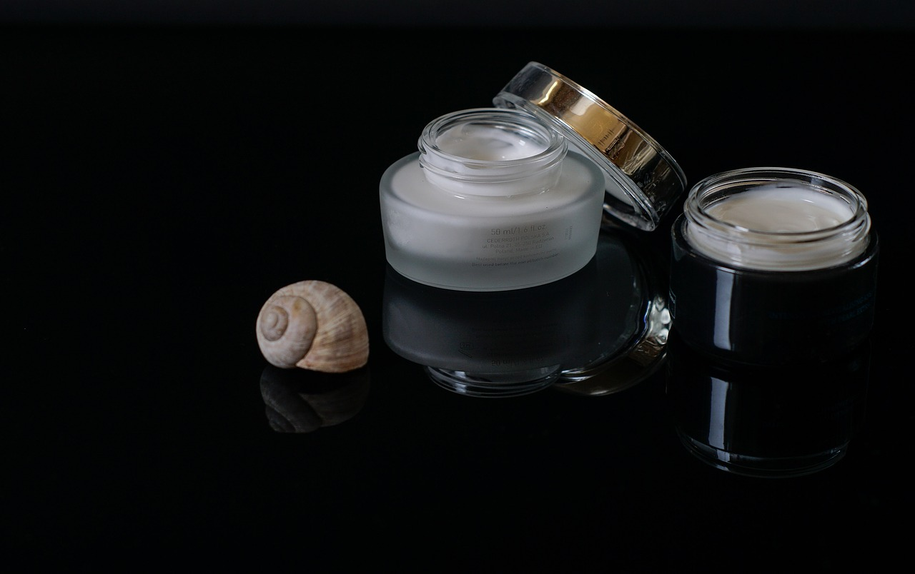 Cosmetics,face cream,creams,shell of a snail,skin care - free image from  needpix.com