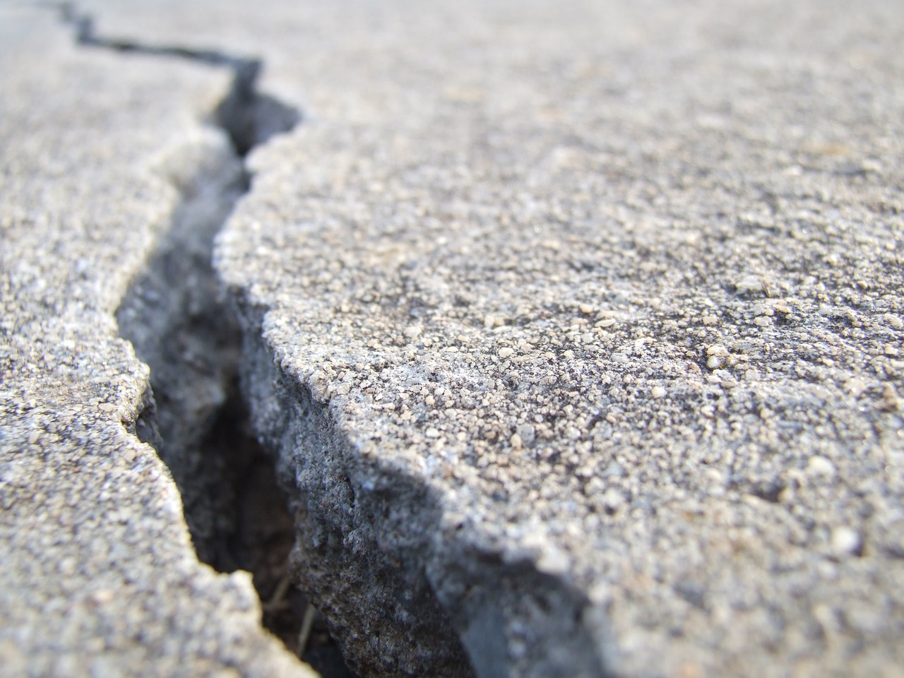 Download free photo of Crack, concrete, break, broken, cracked - from  needpix.com
