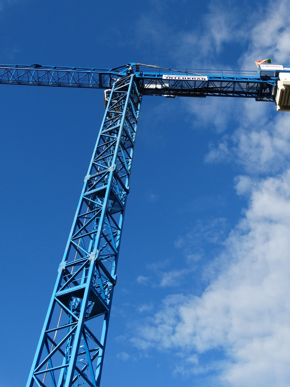 crane load crane skyward free photo