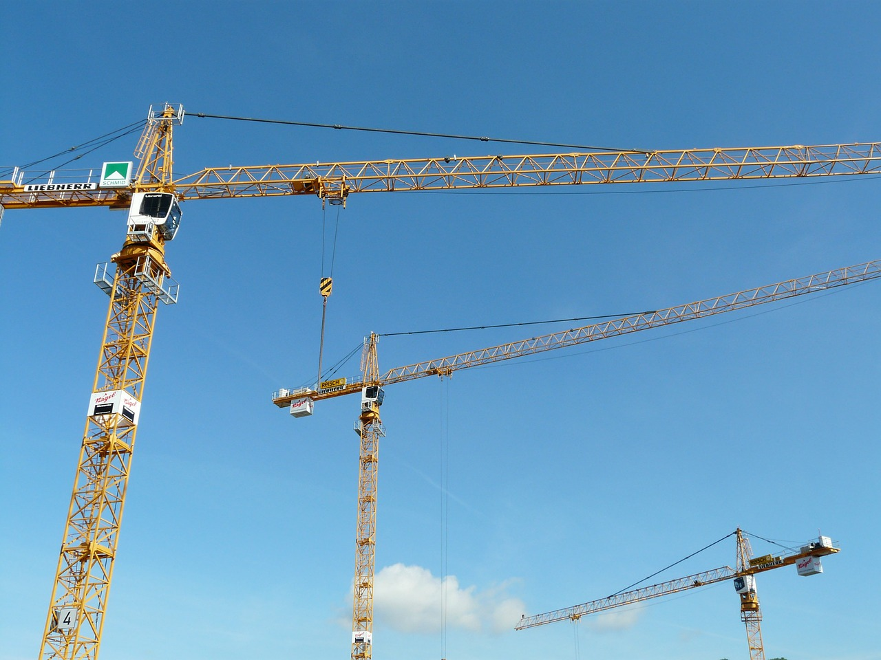 crane,baukran,construction work,sky,technology,site,build,free pictures, free photos, free images, royalty free, free illustrations, public domain