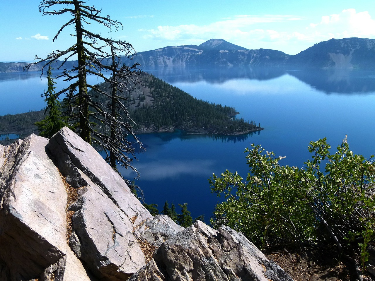 crater lake mt mazama water free photo