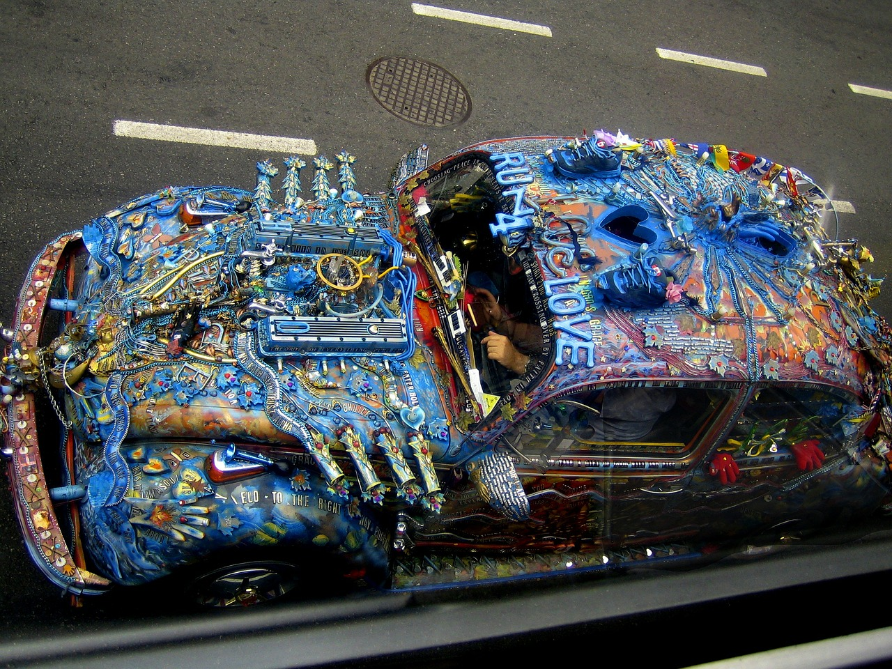 crazy overpainted car free picture
