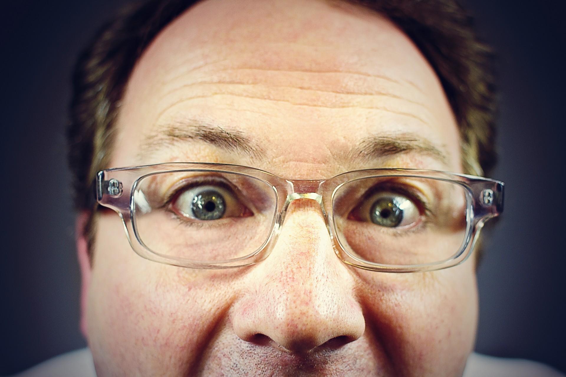 Peeping tom,staring man,creepy man,middle aged man,dork - free image from  needpix.com