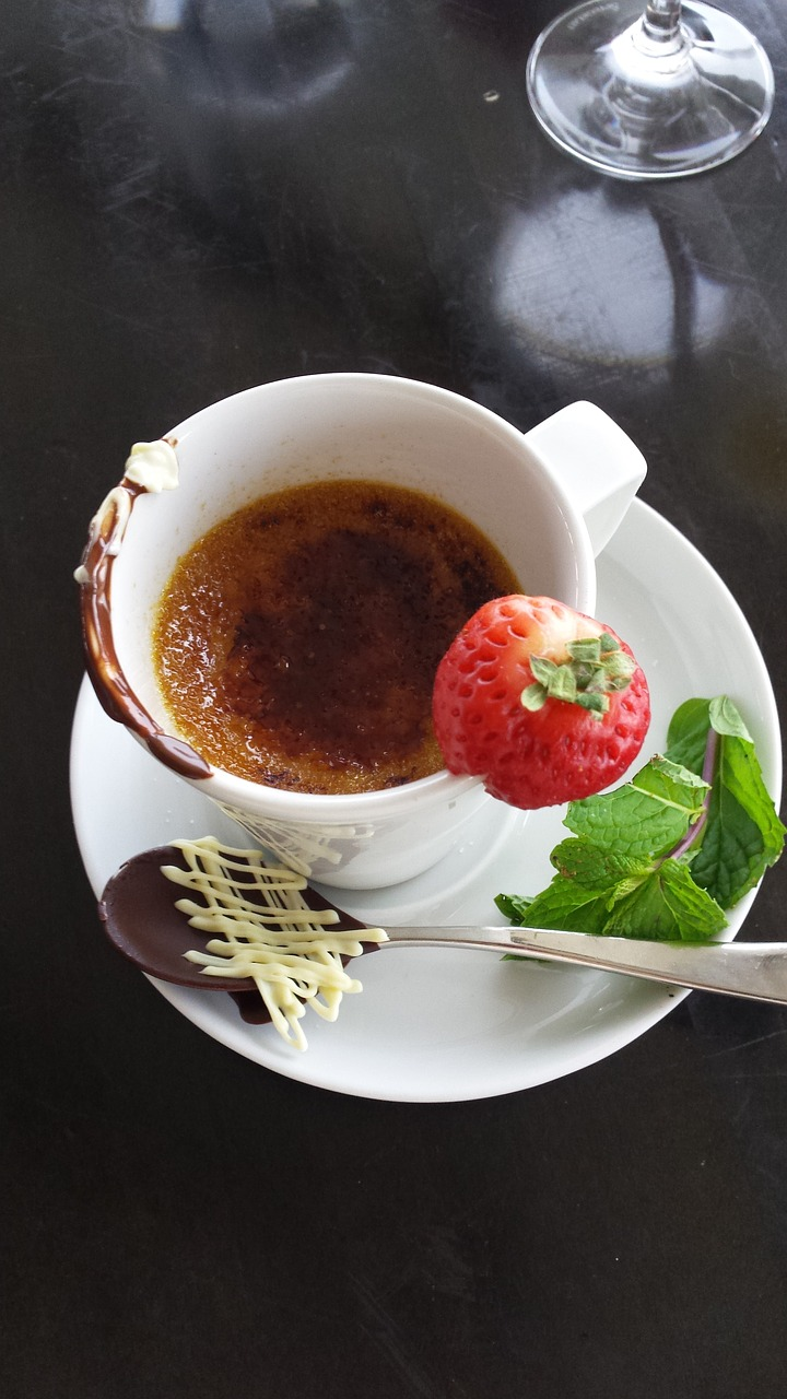 creme brulee dessert sweet free photo