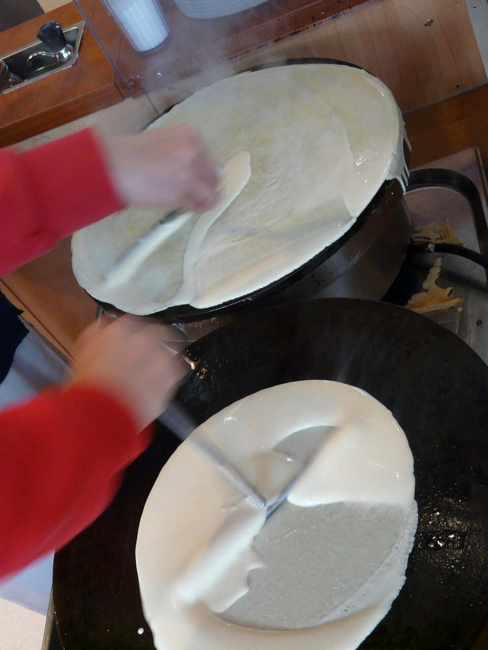 crepe pancake cook free photo