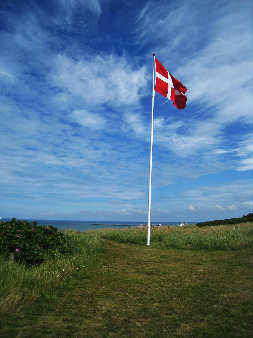 danish flag flagpole hirtshals free photo