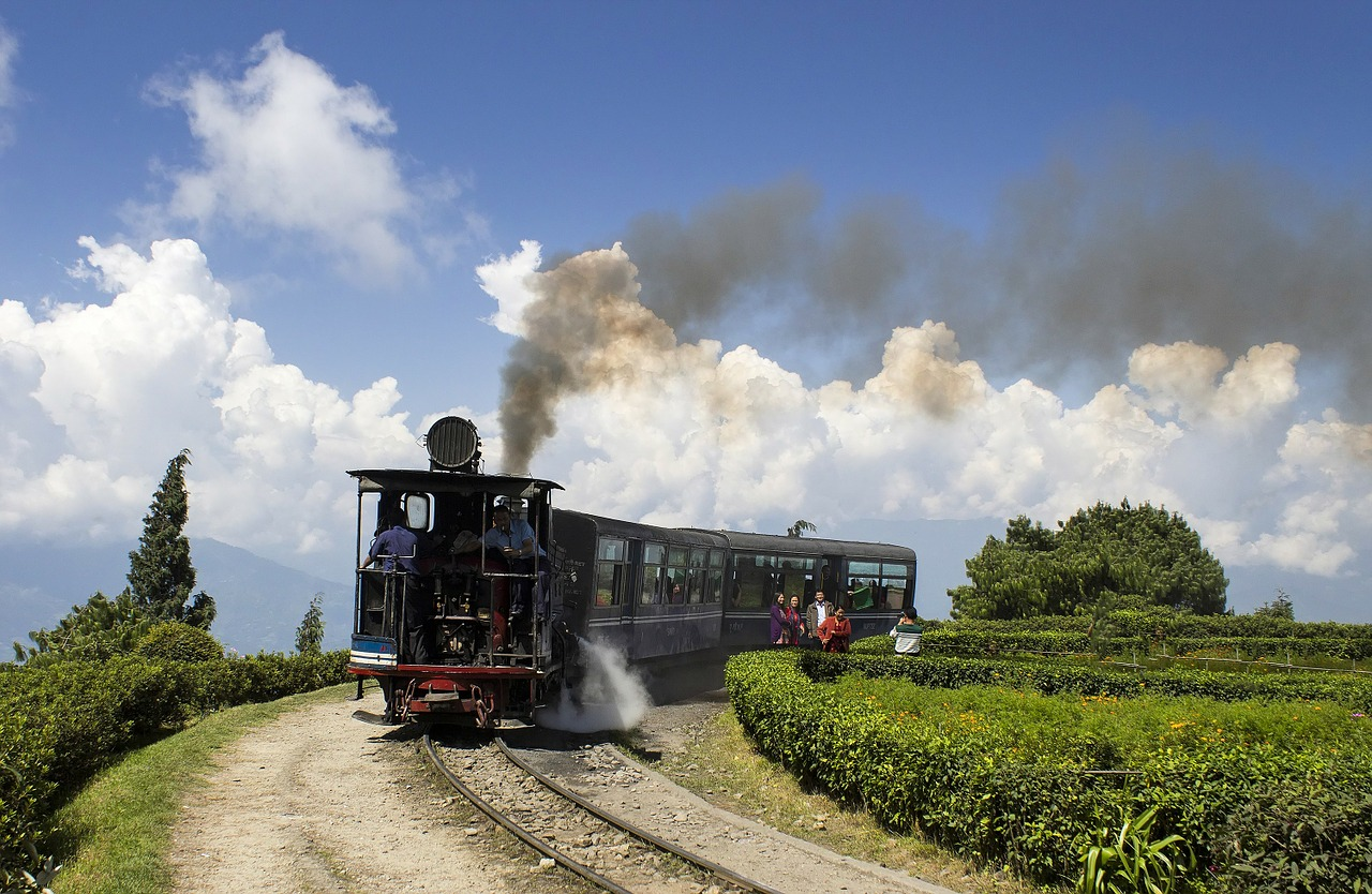 darjeeling himalayan railway free photo