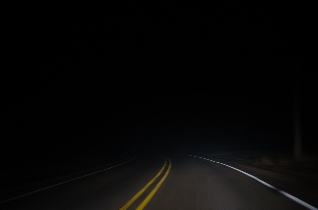 dark,night,road,street,asphalt,travel,free pictures, free photos, free images, royalty free, free illustrations